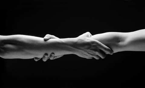 hands_in_trust