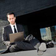 desempleado y en búsqueda de empleo / soymimarca / marca personal
